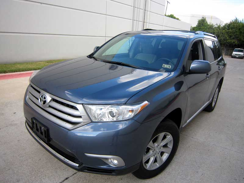 Toyota Highlander protected with 3M Clear Bra Paint Protection Film